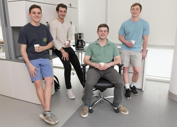 pHAM reduces coffee's acidity during brewing